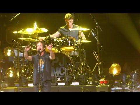 """Pearl Jam """"Ten"""" LIVE April 29th 2016"""