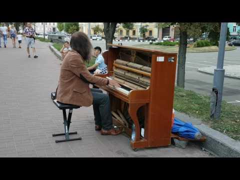 Kiev 20170723 -  pianist Kyrylo Kostukovskyї