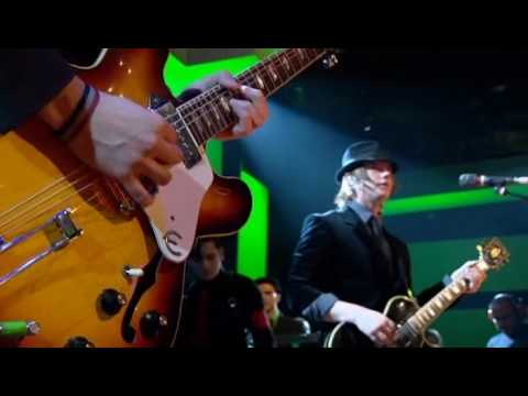 Interpol - Evil (Live on Jools Holland) (November 2004)