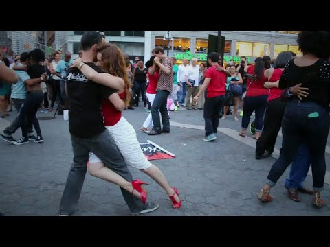 """ Kizomba instinct "" - Flash Mob NYC 2014 - Dance2Heartbeat NYC ( David Campos & Guida Rei)"