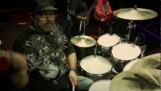 Dennis Chambers — Guitar Center Drum Off 2011 (Part 1)