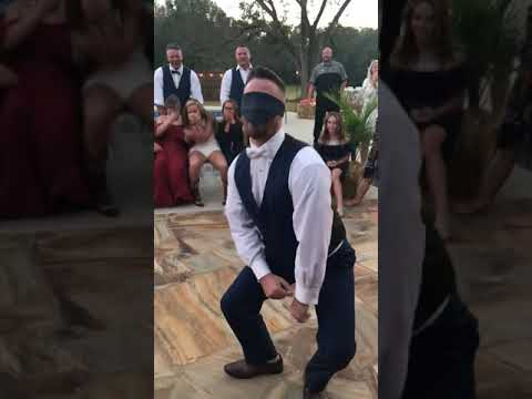 Ditch - Bride Pranks Groom During Garter Toss...With Best Man