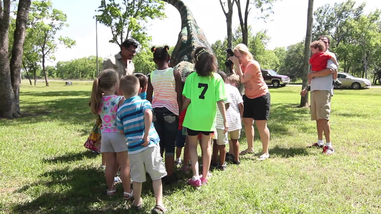 Walking Dinosaurs For Birthday Parties In Houston Texas Jurassic Extreme