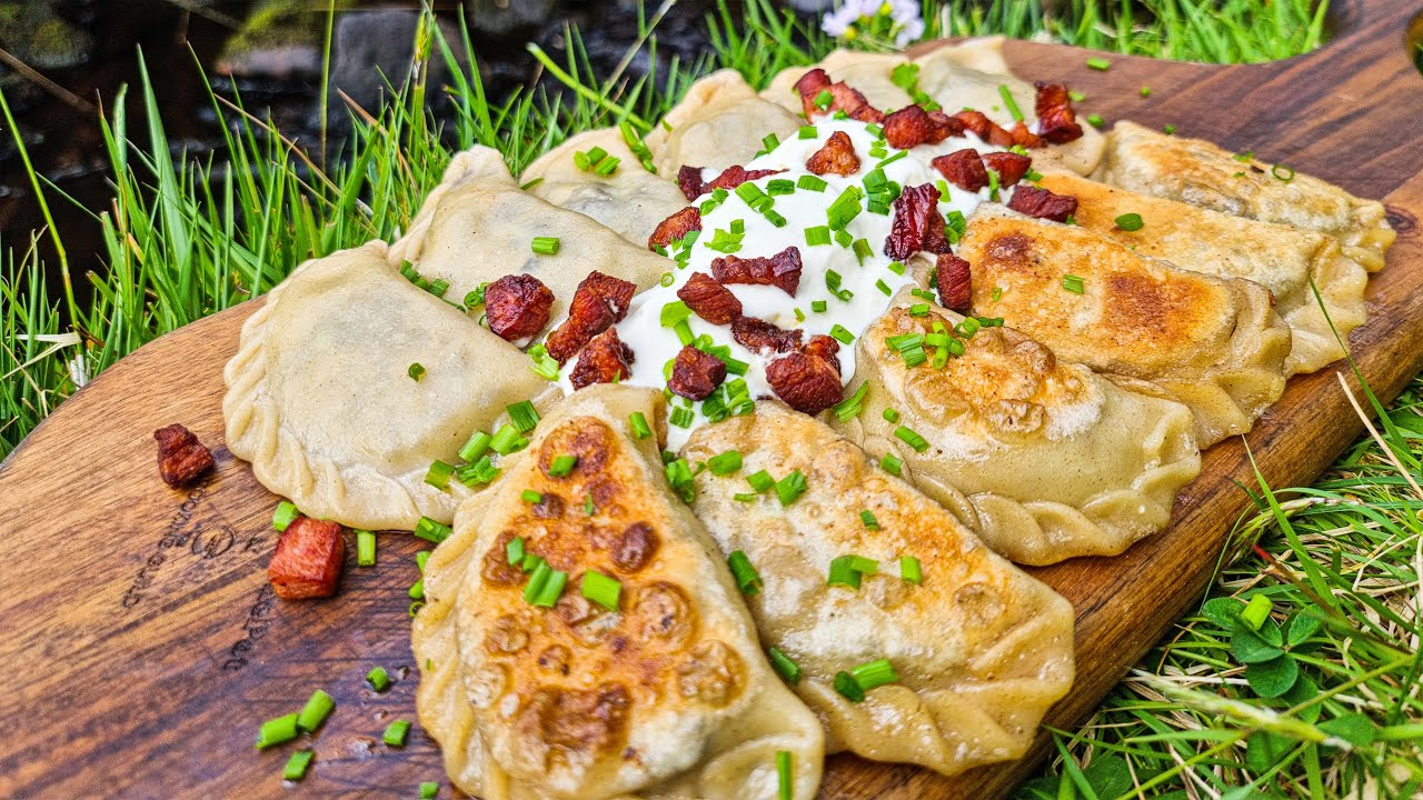 """Best Polish """"Pierogi"""" Cooked outdoors! How to eat delicious food in the wild?"""