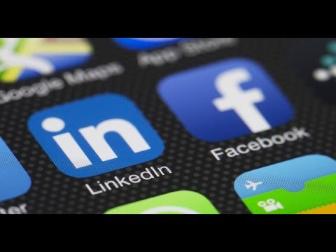 LinkedIn and Facebook Cross-Marketing Integration