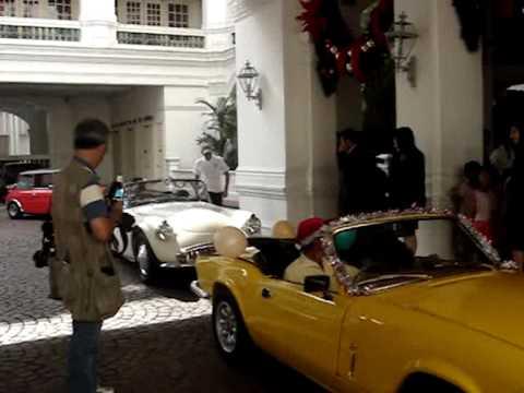Heritage Car Club & Raffles Hotel Singapore - Charity Drive .wmv