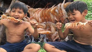 Primitive Technology - Awesome Cooking grilling shrimp - Eating Delicious