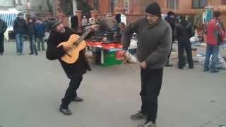 Break dance performed by drunks Танец мертвеца в исполнении алкашей