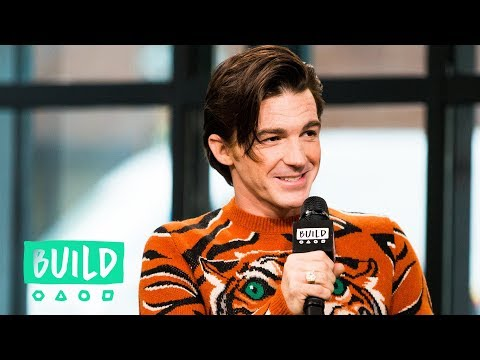 "Drake Bell Embraces His ""Drake & Josh"" Past"
