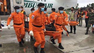 Proses evakuasi Jenazah Korban Jatunya Pesawat Rimbun Air oleh  Basarnas Timika