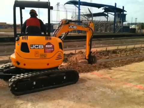 JCB 8030zts working on a Joeris jobsite