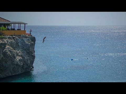 Cliff jumping in Curacao / Netherlands Antilles ( Rheinpiraten @ Caribbean Pirat Bay )