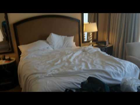 Beverly Hilton Deluxe Room with Balcony