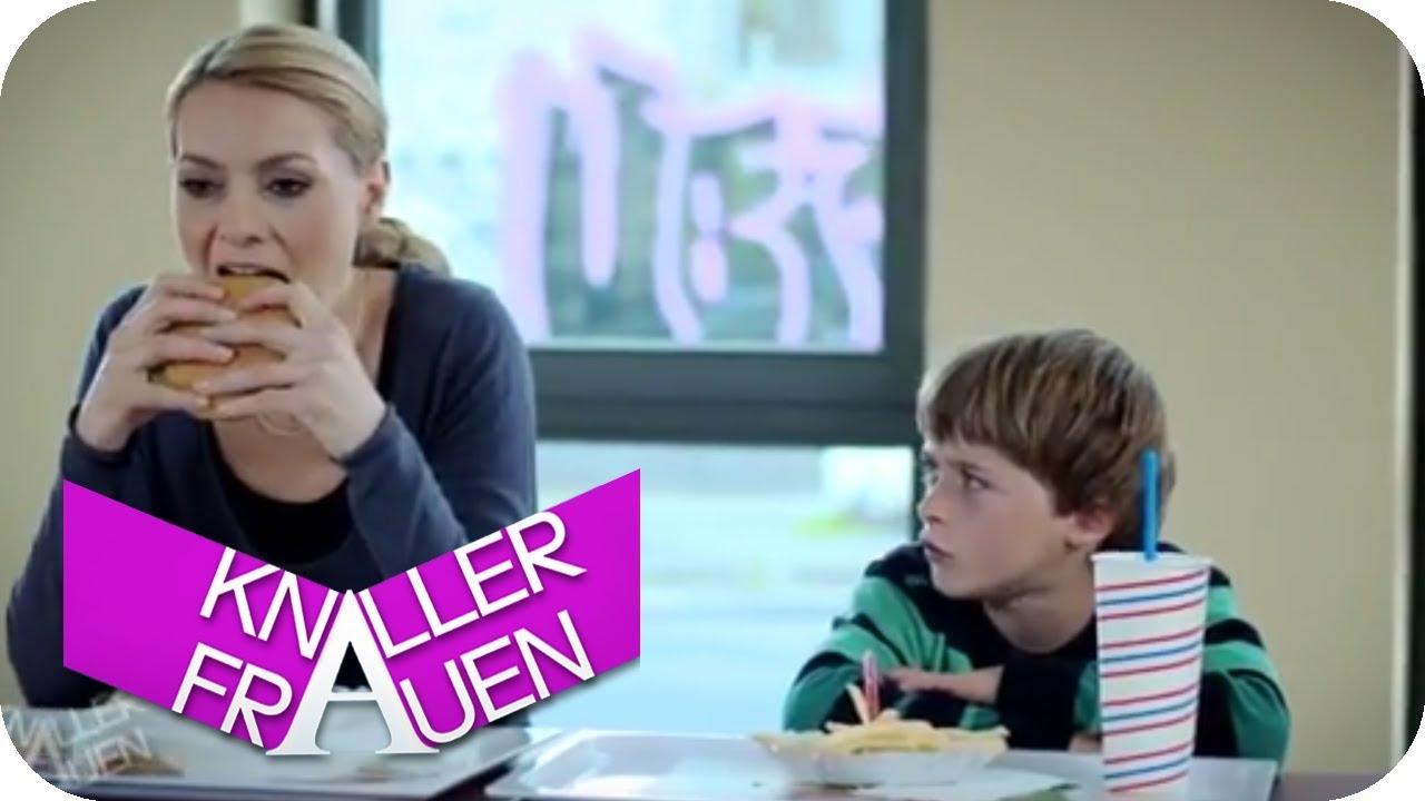 Wenn Kinder sich nicht entscheiden können [subtitled] | Knallerfrauen mit Martina Hill