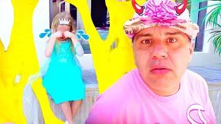 Nastya và cha làm cho long lanh đầy màu sắc và chất nhờn