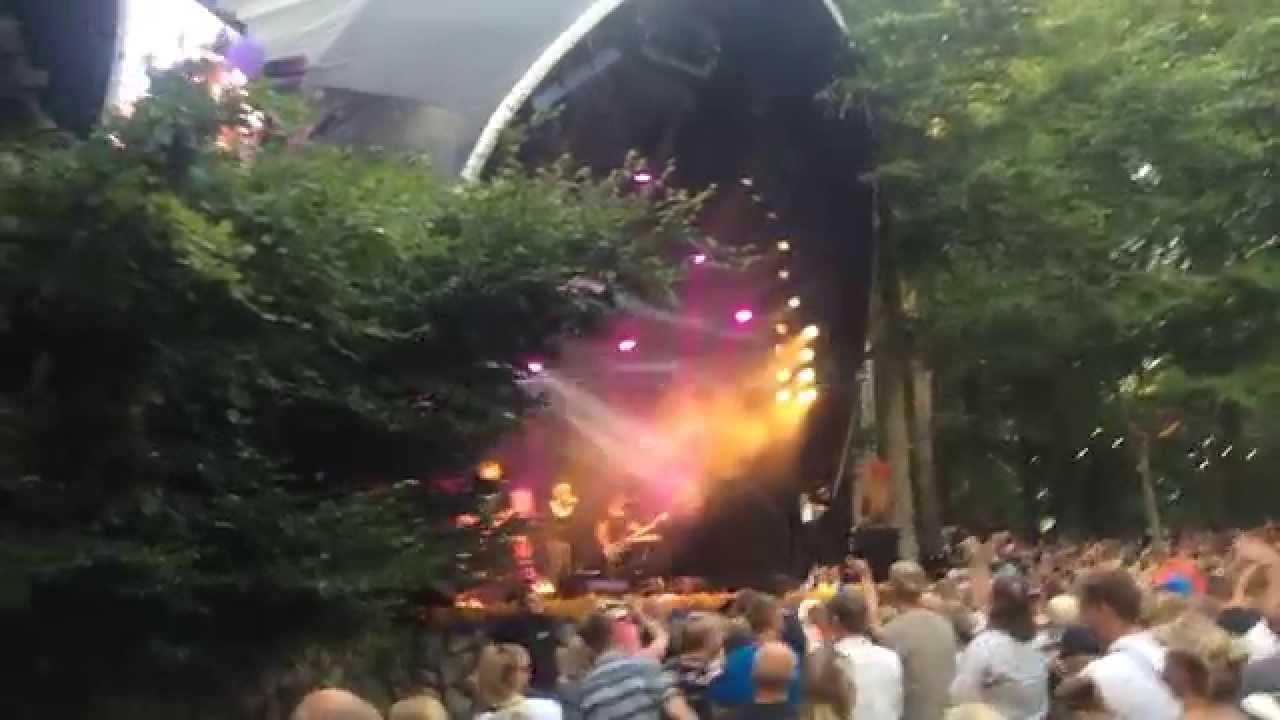shaka-loveless-i-nat-er-vi-ladt-feat-simon-kvamm-live-smukfest-2015-homie-dd