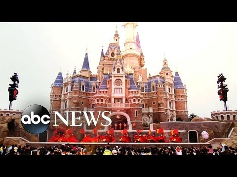 Shanghai Disney Resort | Special Tour of the New Park