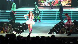 Repeat youtube video Miley Cyrus - Hoedown Throwdown - Live in Portland, OR (Wonder World Tour 2009)