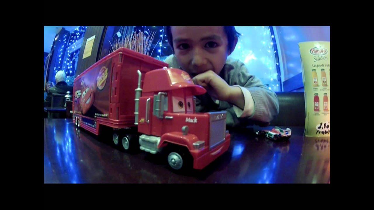 Test mack truck cars2 flash mcqueen camion youtube - Flash mcqueen et mack ...
