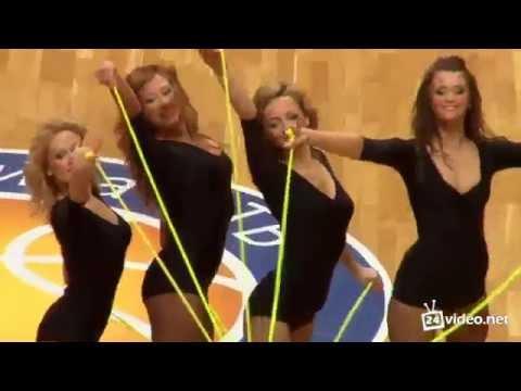 Эротические фото блондинки из группы поддержки