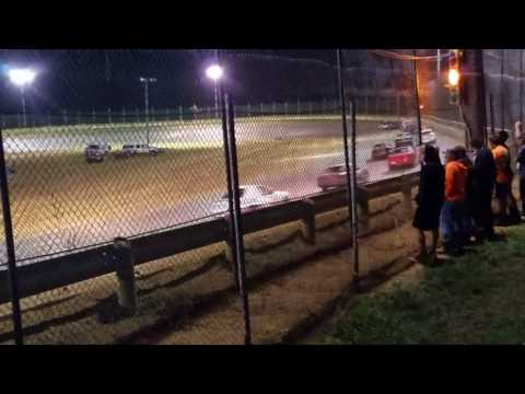 Moler raceway park hornet feature 8-4-17