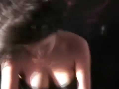Amazon women whipping human chariot slaves (Gwendoline)Kaynak: YouTube · Süre: 2 dakika20 saniye