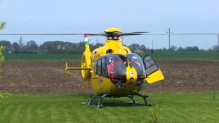 Mentőhelikopter a kertben :)