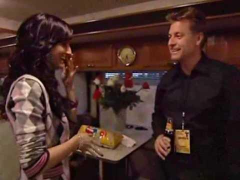 The Ashlee Simpson Show  Ep.10 - Ashlee's Notorious Perfomance (part 1)
