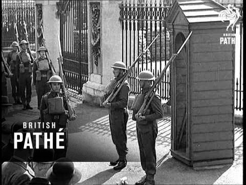 French Canadians As King's Guard (1940)
