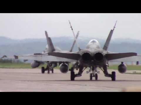 CF-18 Mass Attack + Delta Formation. Bagotville International Airshow 24-06-2017