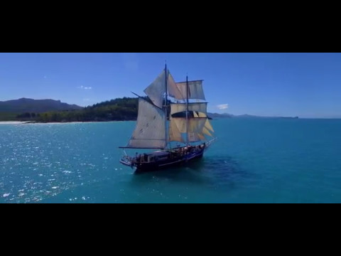 Whitsunday Islands Drone Video Tour | Expedia Australia