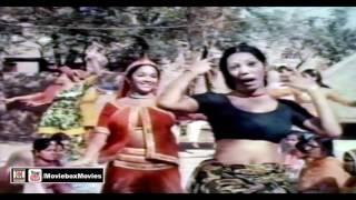 Download ABHAGAN KO SAJNA SUHAGAN BANA DE - PAKISTANI FILM MUTHI BHAR CHAWAL MP3 song and Music Video