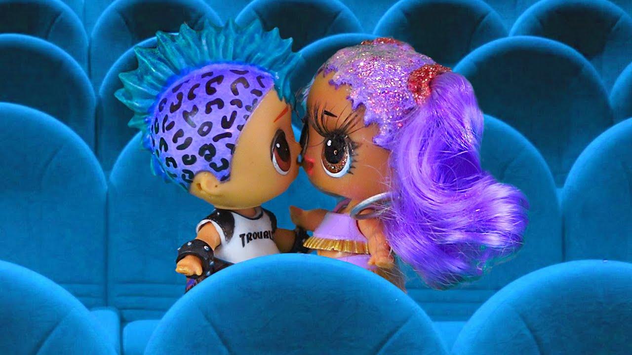 Панки и Мария поцеловались! Первое свидание в кино! Сериал ЛОЛ о любви про подростков