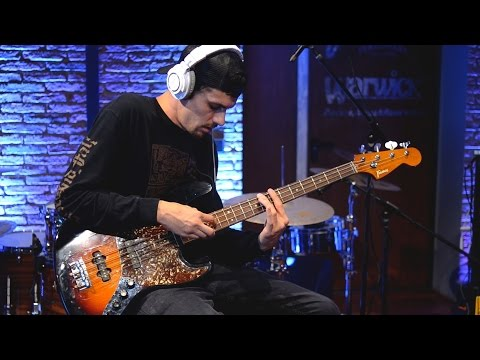 AWESOME TAPPING BASS SOLO - EVAN BREWER | BassTheWorld.com