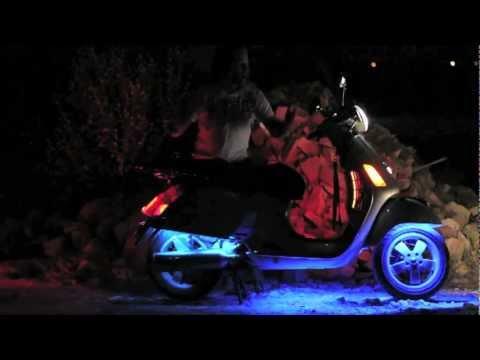 vespa-gts250-scooter---led-light-modifications-|-micbergsma