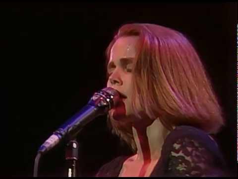 Belinda Carlisle - Circle in the Sand (Runaway Horses Tour '90)