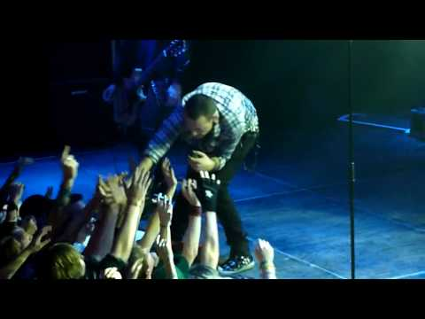 Dead By Sunrise - ''Walking In Circles''  (Live In Amsterdam 2010) HD