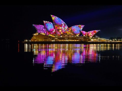 Lights On! It's Time To Shine Vivid Sydney 2017 (Part Mute)