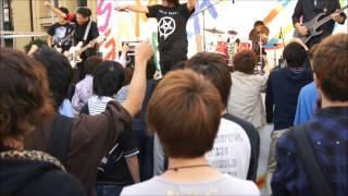青山学院大学、相模原祭2012外ステージでのバンド演奏です。 細かいこと...