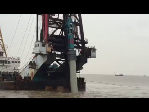 Hydraulic Impact Hammer 30 ton HHP30 equipped with piling ship driving 2.7m steel pipe pile offshore