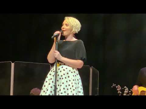 Free Download Claire Richards - All Out Of Love (live) Mp3 dan Mp4