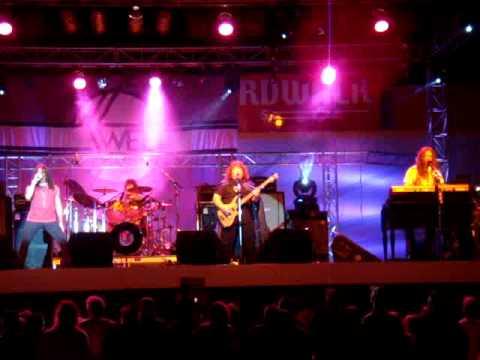 Download lagu Mp3 The Sweet (Steve Priest) : Teenager Rampage. Santa Cruz, August 28th 2009 terbaru 2020'