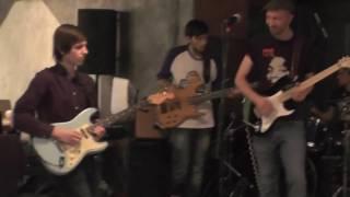 неожиданно молодой гитарист из зала сыграл так, что поверг всех в шок