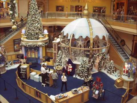 Tampa, Florida -- It's that time of year. People can now visit Santa at International Plaza until December Santa is available for family photos during mall hours from 10 a.m. to 9 p.m. with 30 minute breaks taken through the day.