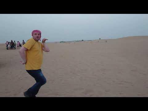 Sony Xperia 1 Dubai desert dance