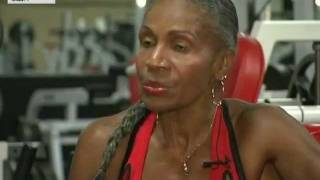 75 летняя бабушка бодибилдер