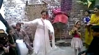 Bannu Girl Home Dance With Pashto Music