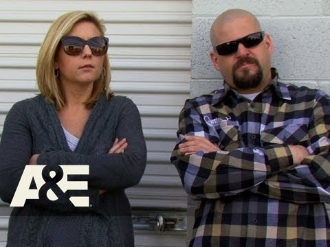 Storage Wars: Dan and Laura Practice Upselling (Season 7, Episode 4) | A&E