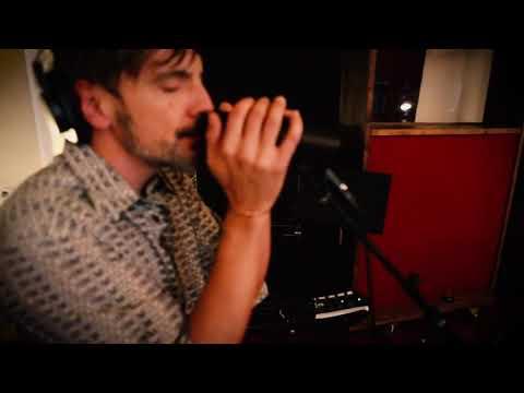 APPLE JELLY / Money Me [LIVE @ Purple Sheep Studio]