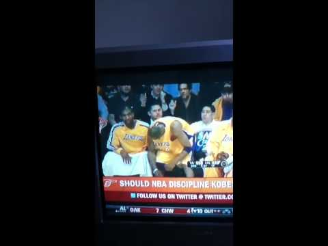 Kobe hitting Joe Smith